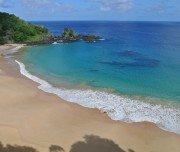 """Strand """"Praia do Sancho"""" auf Fernando de Noronha, Brasilien"""