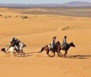 Schneller Wanderritt Erg Chebbi, Marokko