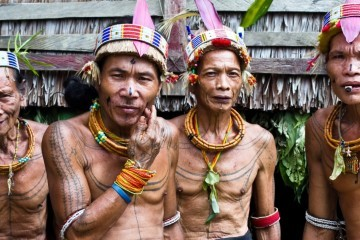 Naturvölker Indonesien
