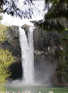 Die Snoqualmie Wasserfälle von unten