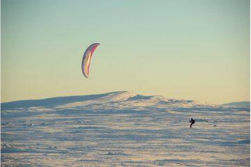Schnee-Kiten auf Plateau
