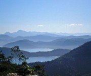 Sicht auf die Buchten der Juatinga Halbinsel