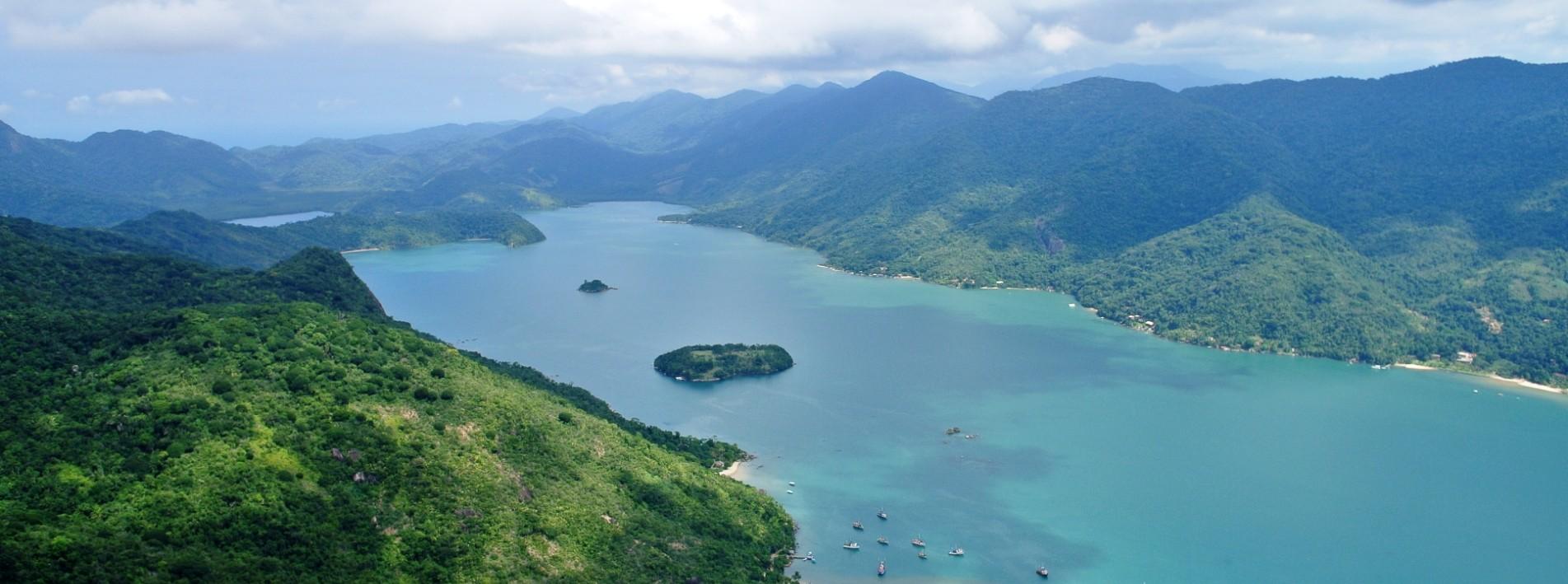 Wunderbare Aussicht auf den Saco de Mamanguá