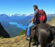 Blick auf den See vom Pferderücken
