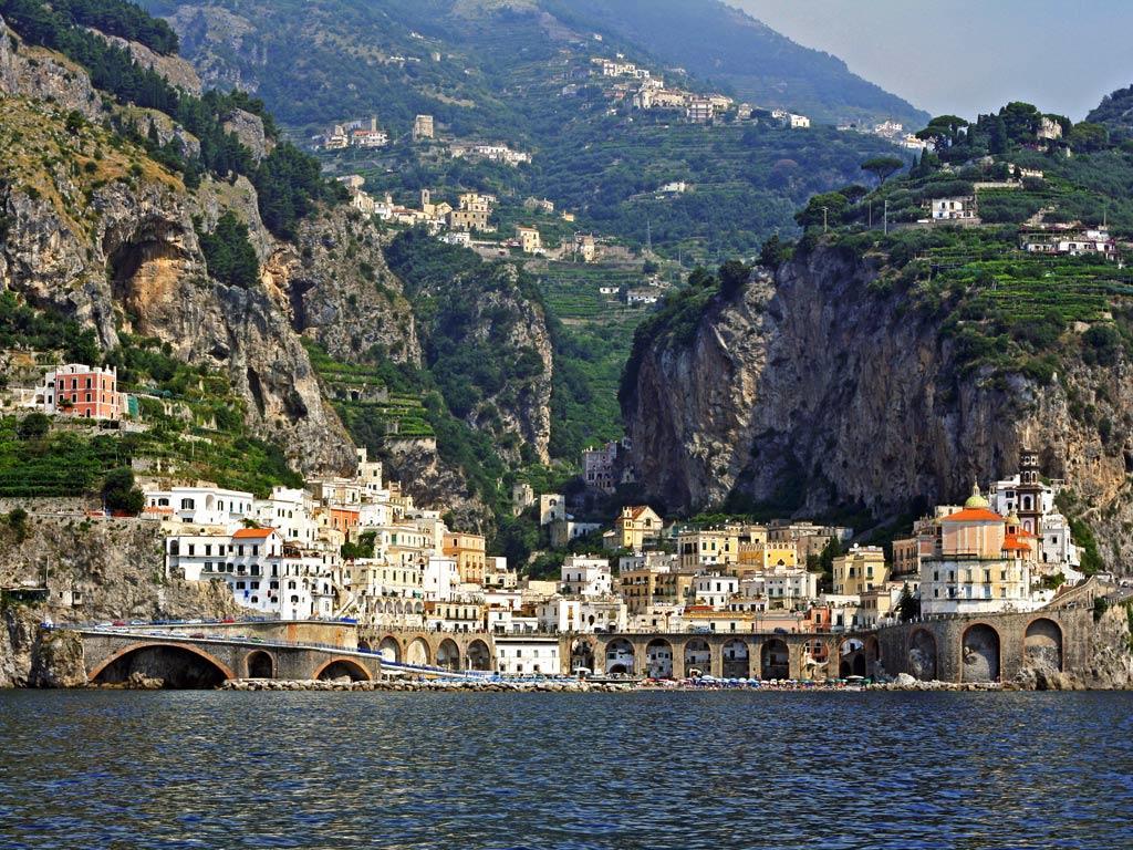 Stadt an der Amalfiküste