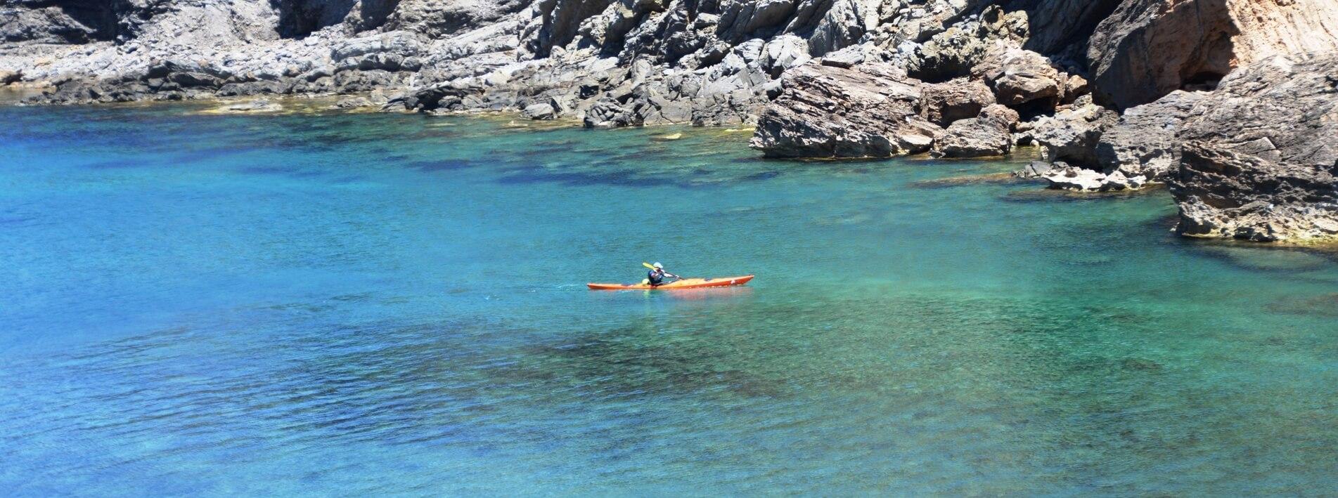 Kajakurlaub Mittelmeer online buchen – dein Spezialist für Kajakreisen