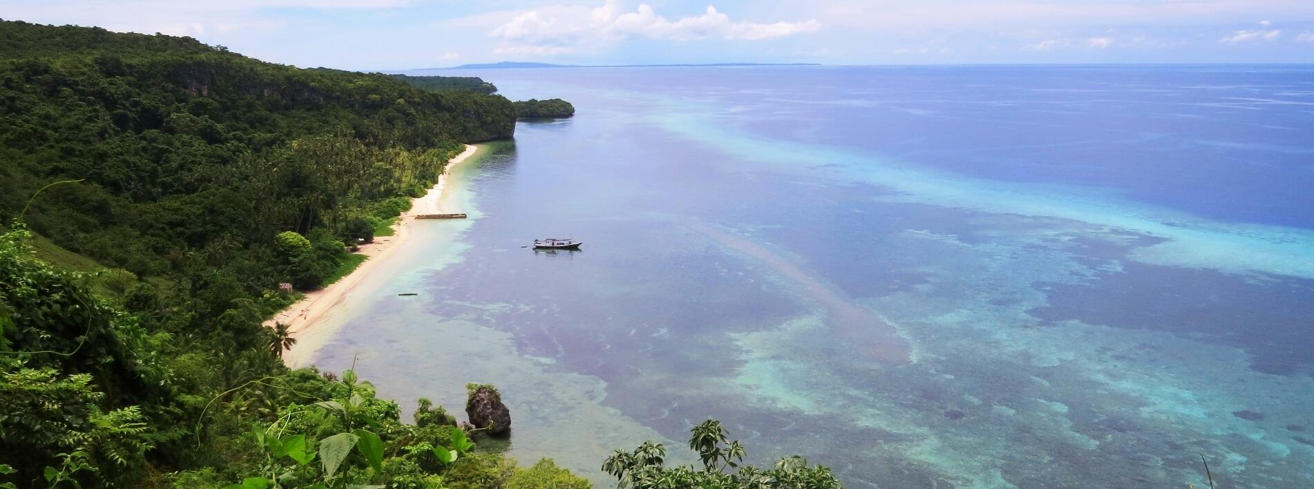 Tomia Beach