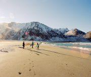 Surfen im Winter auf den Lofoten