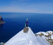 Skitouren-Geher auf Gipfel
