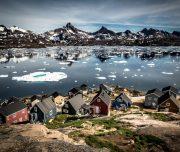 Kajak fahren Grönland. Photo: Visit Greenland-Mads Pihl